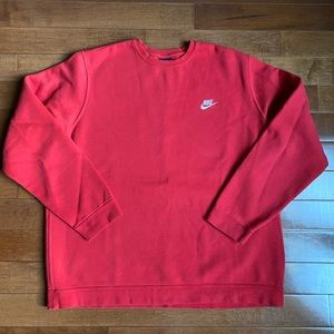 Nike Classic Fit Embroidered Logo Sweatshirt